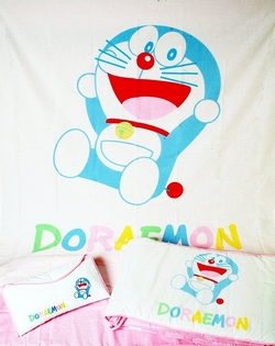 Set de sábanas col. Doraemon Colors cuna de 70cm.