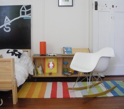 Dormitorio Eames Rocking Chair