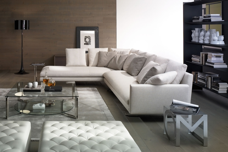 Salon con sofa blanco