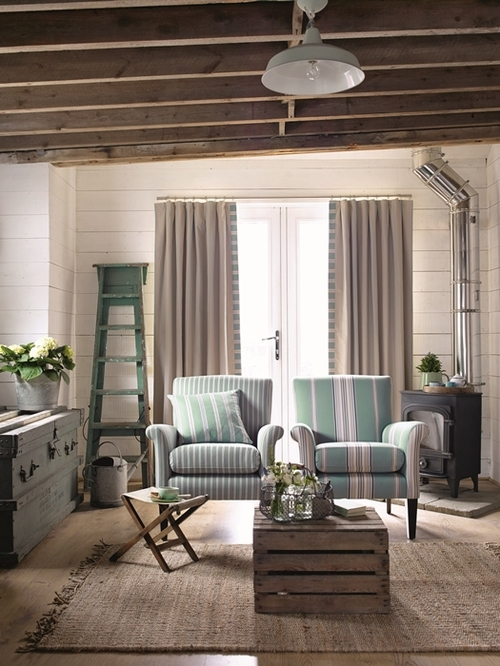 Country Stripe summer house main